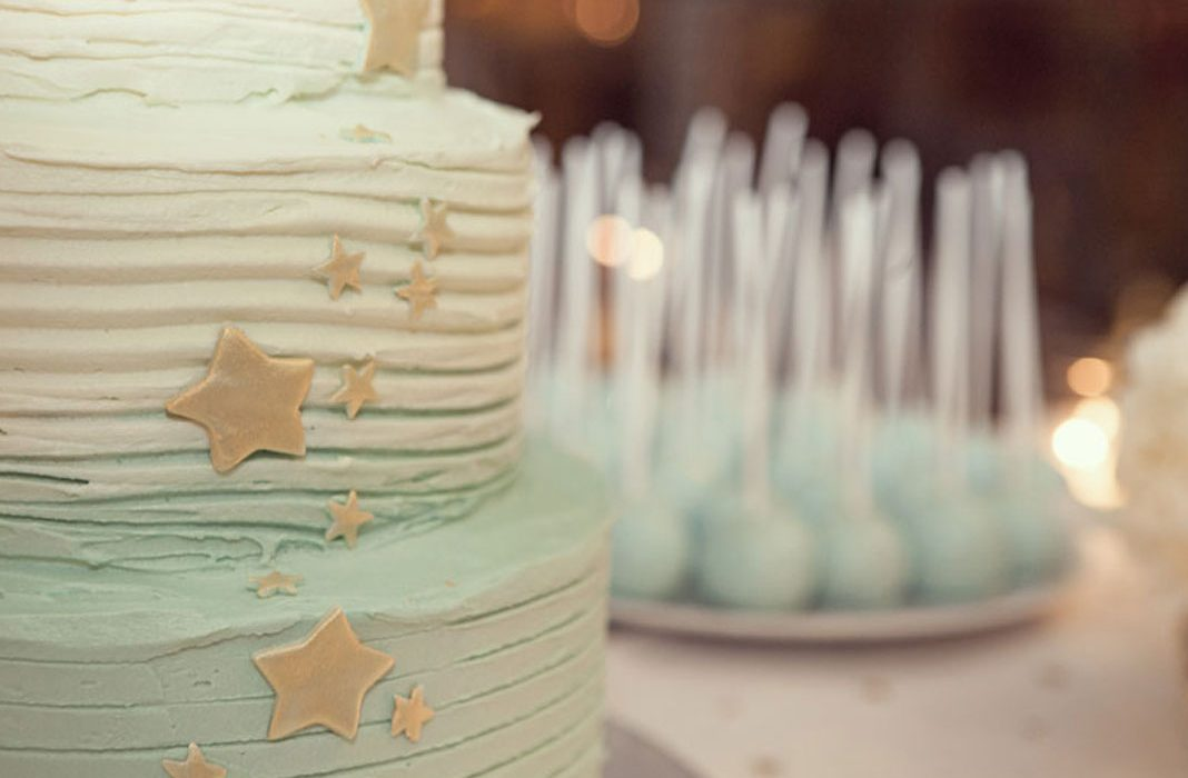 Un Baby Shower Tea Mint and Gold Champagne